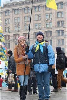 """""""Мисс Украина – 2013"""" тоже вышла митинговать на Евромайдан (фото)"""