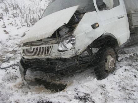 В результате лобового столкновения двух автомобилей на Луганщине погиб полугодовалый ребенок (фото)