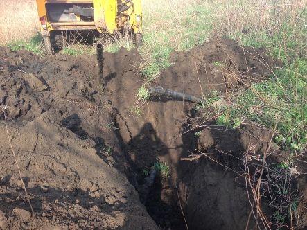 Луганские пограничники уничтожили очередной подпольный трубопровод (фото)