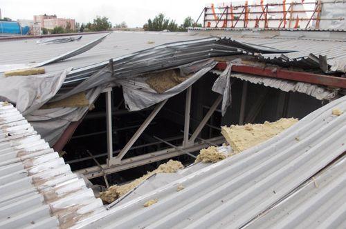 Из-за повреждения здания во время обстрела закрылся супермаркет «Лелека» возле Автовокзала